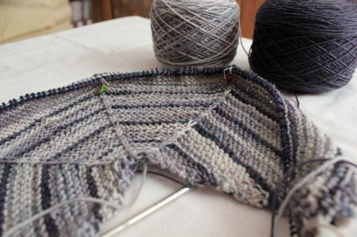 DA Mystery Shawl Part 1